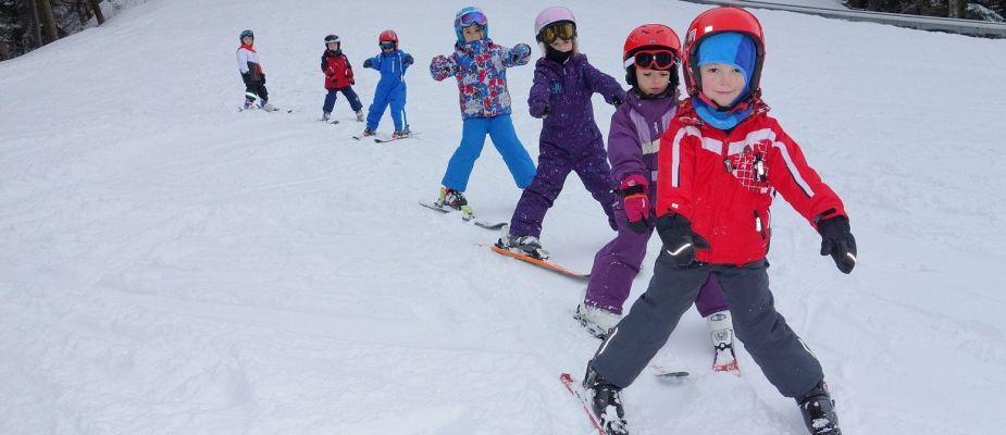 tabără schi preșcolari 2020